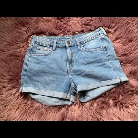 New w//Tags Women/'s Aeropostale 9//10 9 10 Boyfriend Distressed Jean Shorts